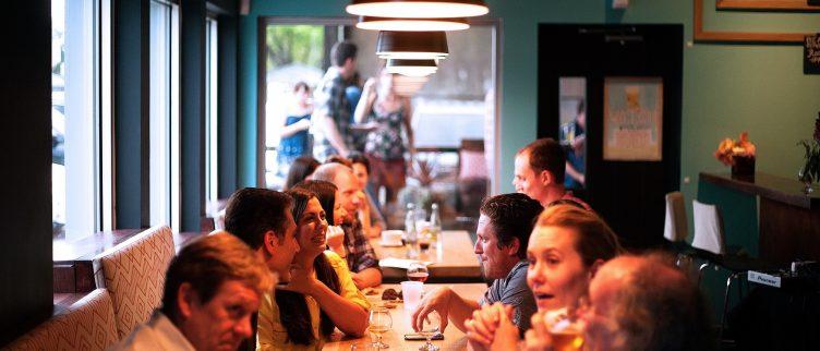 16 tips om goedkoop uit eten te gaan