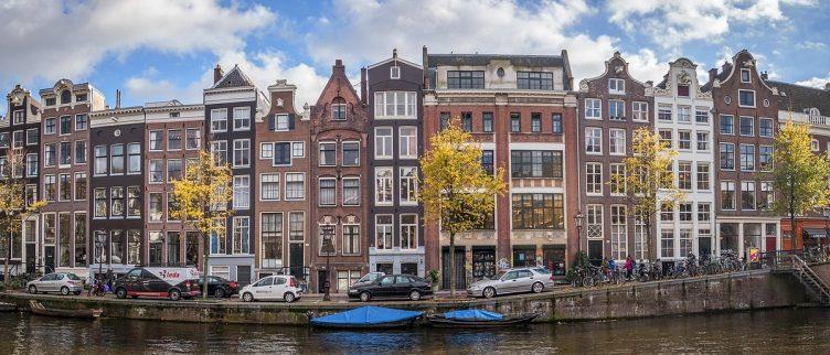 Waar kun je gratis of goedkoop parkeren in en rondom Amsterdam?