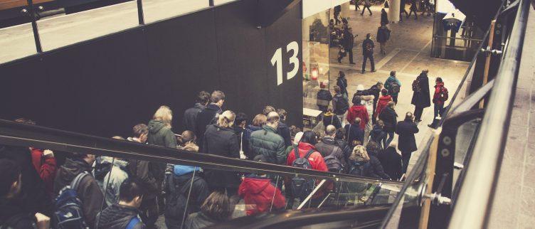 12 tips om geld te besparen op openbaar vervoer