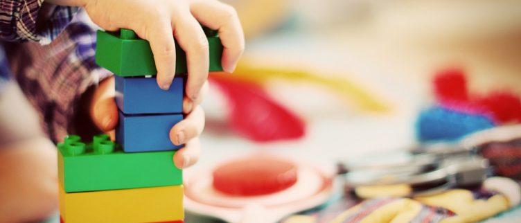 11 tips om geld te besparen op speelgoed