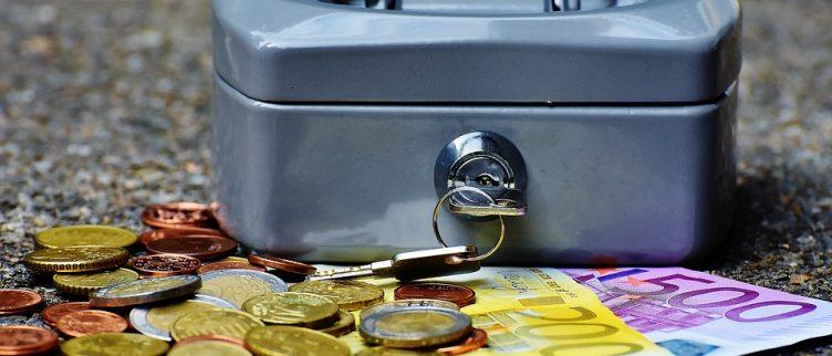 Hoeveel moet ik sparen per maand? (+ 8 tips)
